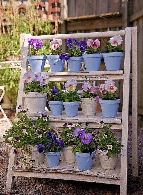 etagere garden best 25 garden shelves ideas on