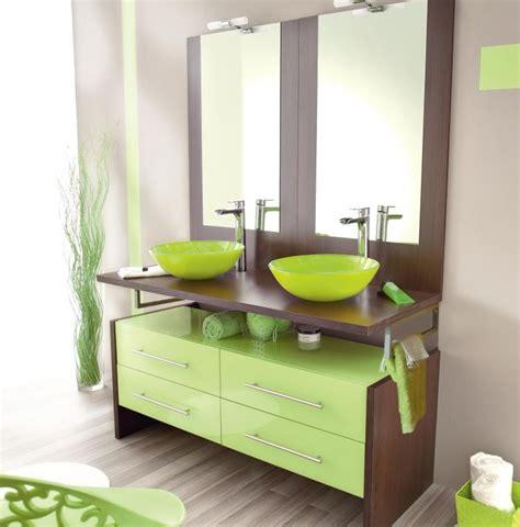 si鑒e de salle de bain astuces décoration salle de bain colorée