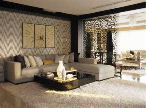 living room spacious  simple  smart tricks