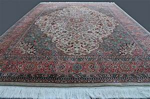 splendide et unique tapis persan dessin tabriz lachek With tapis persan avec canapé castelbajac vente privée