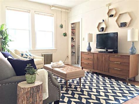 decor above tv best 25 above tv decor ideas on