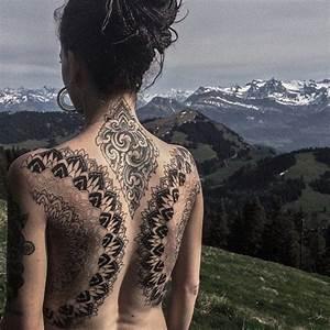 1239 best images about Tattoed girls tribal maori blackwork monochrome on Pinterest  Samoan