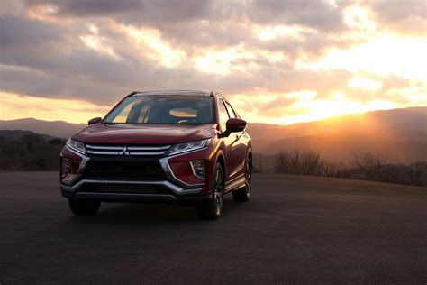 eclipse mitsubishi mitsubishi eclipse cross glistens under total solar