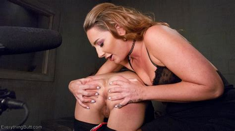 Kacie Castle Shares Her Sex Toys With Horny Bitch 1 Of 3