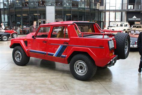 File:Lamborghini LM002 Gen1 Type129 1986-1993 1988 ...