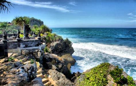 pantai  gunungkidul jogja  wajib dikunjungi