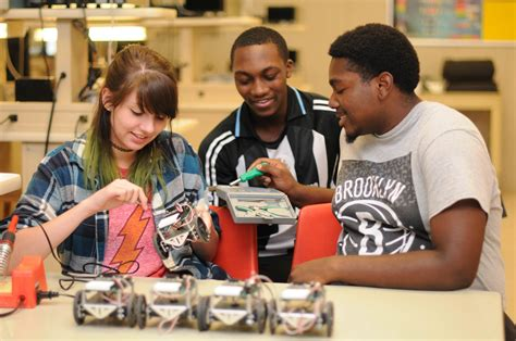 Cccc's Upward Bound Math And Science Program Sets Students On College Course 08212015 News