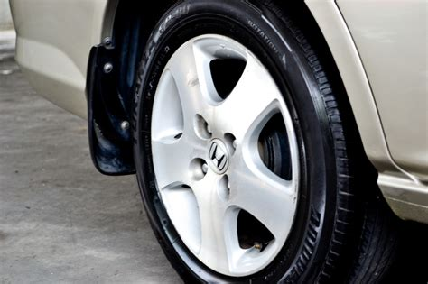 Car Tires Should Be Made From Indestructible Material