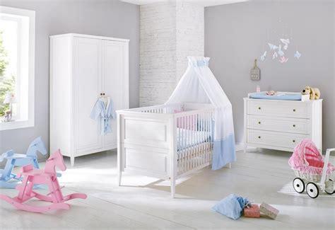 lit bébé chambre parents pinolino chambre bébé smilla lit commode armoire
