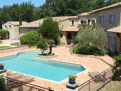 maison a vendre vaucluse maison 224 vendre en paca vaucluse lauris lauris 84360 propri 233 t 233 g 238 tes dans le luberon 590 m2
