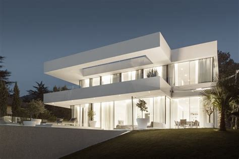 Modern Residential House Design ? A Fine House M   #DesignTopTrends