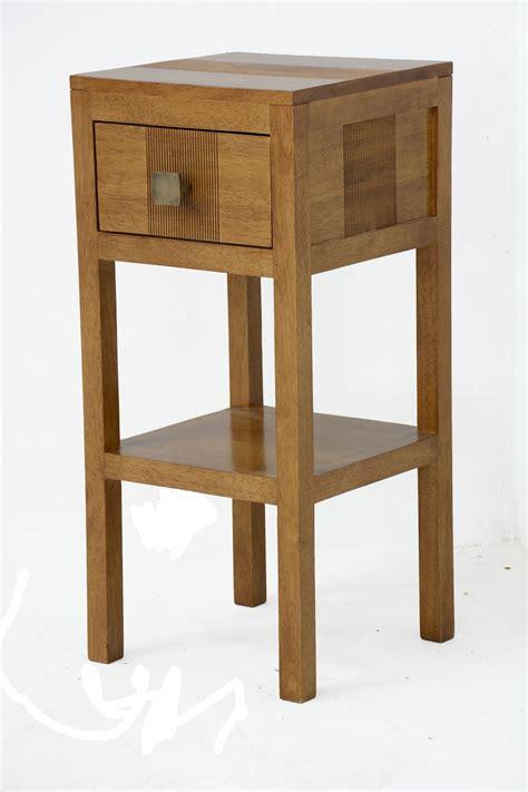 table de chevet haute h 233 v 233 a massif 1 tiroir 55cm gala