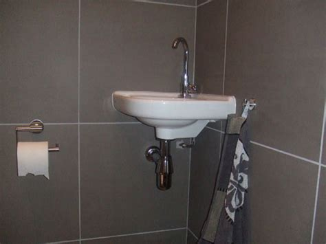 toilet afkitten oudshoornbouw b v