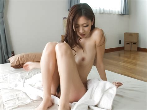 Asian Amateur Babe Plays With Pussy In Sexy Solo