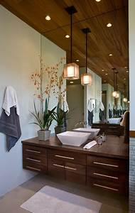 Bathroom featuring fine art lamps quadralli drop light