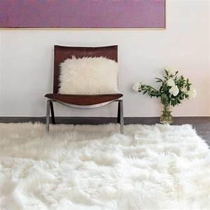 Tapis Blanc Rond : tapis de luxe shaggy blanc en fausse fourrure par ligne pure ~ Dallasstarsshop.com Idées de Décoration