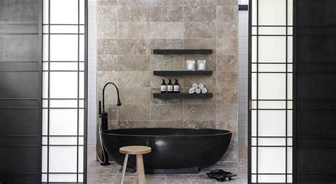 Dark Indulgence: 18 Black Bathtubs for a Stylish, Dashing