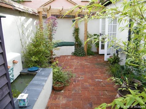 courtyard designs fascinating small courtyard garden designs with simple