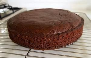 Décorer Un Gateau Au Chocolat : g teau au chocolat la br silienne sans oeufs sans lait ~ Melissatoandfro.com Idées de Décoration