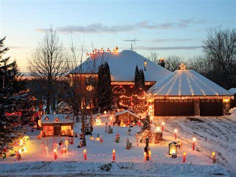 hang christmas lights diy
