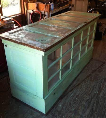 fa軋de de porte de cuisine 63 idées pour donner une seconde vie aux vieux meubles vieilles portes ilot de cuisine et ilot