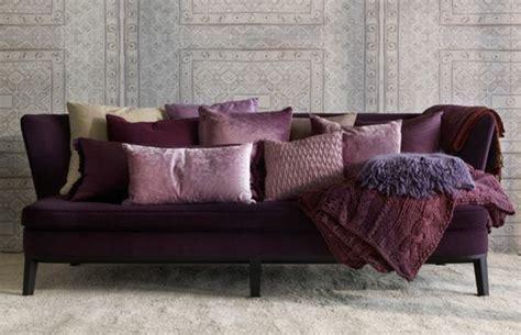canape prune 80 idées d 39 intérieur pour associer la couleur prune