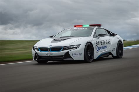 toyota hybrid cars report bmw i8 to receive more power range