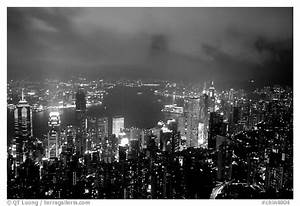 Black and White Picture/Photo: City lights from Victoria ...