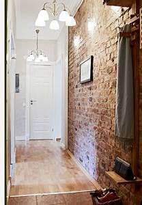 Tapete Altes Mauerwerk : exposed brick in the hallway inside pinterest bad schrank flure und dachgeschosse ~ Markanthonyermac.com Haus und Dekorationen