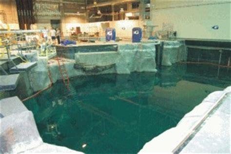 Apply Underwater Epoxies: Splash Zone A 788   Wet Dry 700