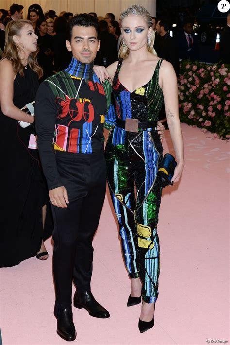 Sophie Turner et son mari Joe Jonas - Arrivées des people ...
