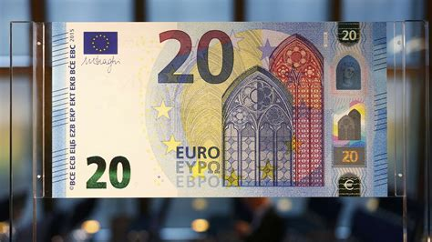 Euro, Yen Post Monthly Gains Against The Dollar