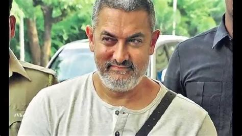 Aamir Khan Looks in Dangal Film Based on Wrestling Photos