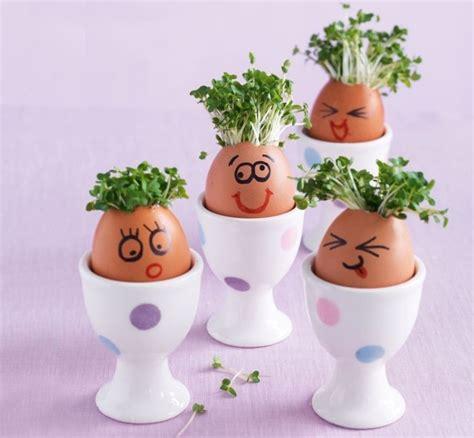 gesichter malen für kinder malen sie lustige gesichter auf den eiervasen mit kresse
