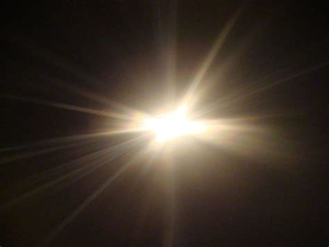 seeing flashes of white light spiritual light forms crystal like structure on computer chip