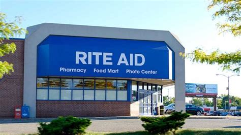 Rite Aid Sinking by Walgreens Dips As Sales Miss But Earnings Outlook Raised