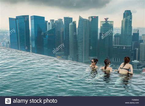 Pool Auf Dem Dach singapur marina bay swimmingpool auf dem dach des marina