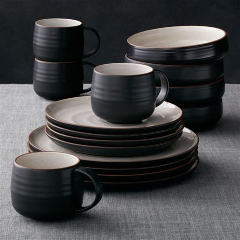 18th Street 16 Piece Dinnerware Set   Reviews   Crate and
