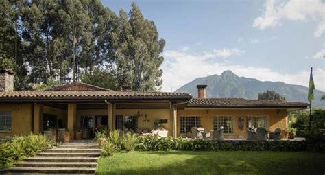 ☕️ coffee wholesaler + roaster + retailer + cafe www.silverbackcoffee.com. Rwanda - Diventure