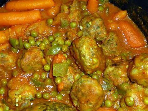 cuisiner petit pois en boite recette de boulettes de bœuf aux petits pois carottes