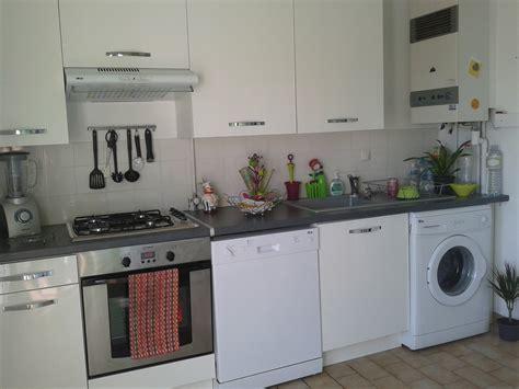 cuisine jaune et grise cuisine blanc gris anis photo 3 4 nous espèrons