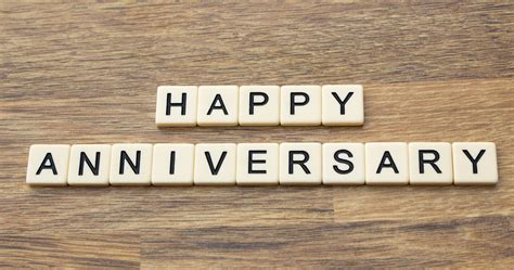 modern  traditional anniversary gifts  year