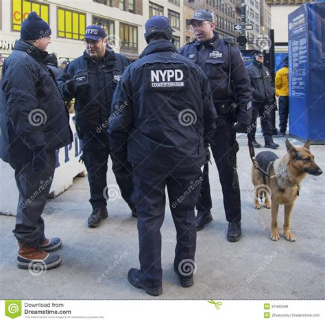 counter terrorism bureau nypd counter terrorism officers and nypd transit bureau k
