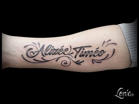 Tatouage 3 Prenom Avant Bras  Idées De Tatouages Et Piercings