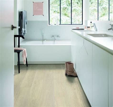 Quickstep Bathroom Flooring by Flooring Quickstep Livyn Pulse Sea Oak Beige Vinyl