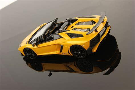 lamborghini aventador lp 750 4 superveloce sv roadster lamborghini aventador lp 750 4 superveloce roadster 1 43 looksmart models