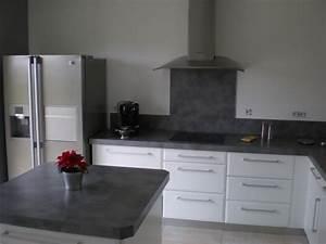 Cuisine Blanche Plan De Travail Gris : cuisine blanche avec plan de travail gris anthracite ~ Melissatoandfro.com Idées de Décoration