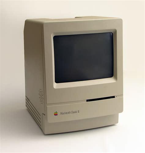 Apple Macintosh Classic Computer