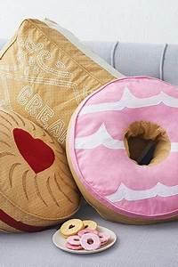 Weihnachtsgeschenke Für Die Frau : weihnachtsgeschenke f r frauen donut kissen ~ Buech-reservation.com Haus und Dekorationen