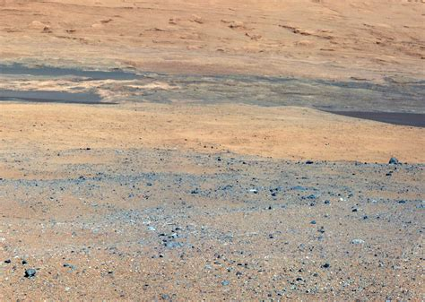 Why Are There *Blue* Rocks in the Latest Photos From Mars ...